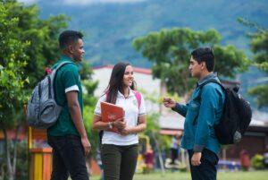 Modelos de educación STEAM en Costa Rica